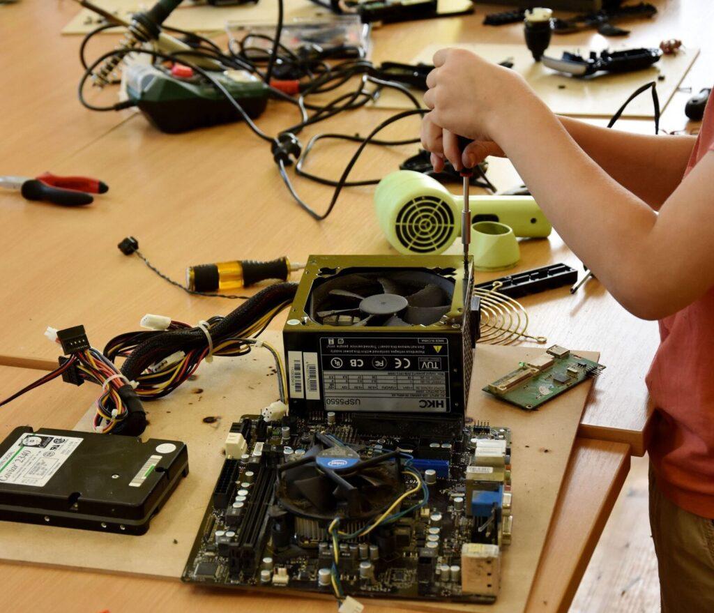 delo z elektroniko